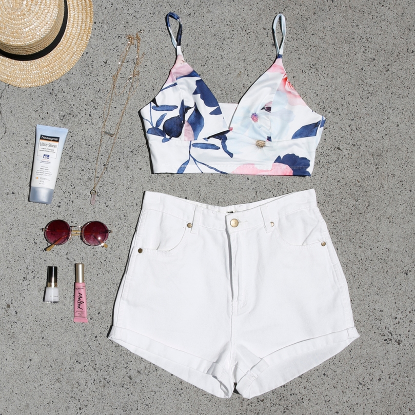 Naive Crop and Summertide Shorts